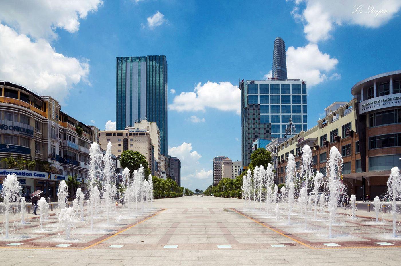 VLOOK.VN - Giá cao ốc văn phòng cho thuê gần phố đi bộ Nguyễn Huệ tăng mạnh