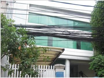 Cao ốc cho thuê văn phòng Artist Building, Lê Tấn Quốc, Quận Tân Bình - vlook.vn