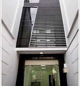 Cao ốc cho thuê văn phòng Phùng Hưng Building, Phường 13, Quận 5 - vlook.vn