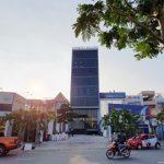Mặt trước toàn cảnh oà cao ốc văn phòng cho thuê Đông Tây Building, đường Trần Não quận 2, TP.HCM - vlook.vn