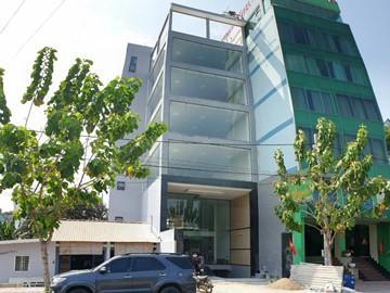 Cao ốc văn phòng cho thuê Phước Long A Building Xa lộ Hà Nội, Quận 9, TP.HCM - vlook.vn
